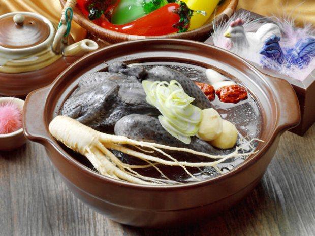 サムゲタンは韓国伝統の栄養食