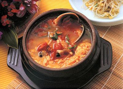 ご家庭でもキムチ鍋や人気のスンドゥプ(純豆腐)鍋が作れます